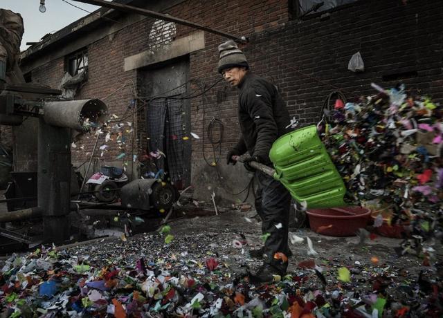 La trituradora de doble eje está especialmente diseñada para la eliminación de residuos industriales.